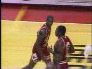NBA BASKETBALL – action dunk MJ