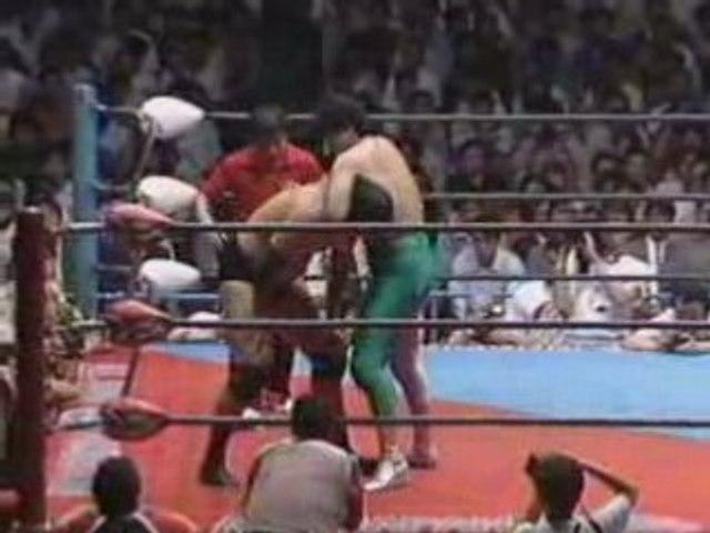 Jumbo Tsuruta Vs Mitsuharu Misawa, AJPW, 1990, part 1.