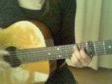 1er essai à la guitare avec capodastre: Mlle chante le blues