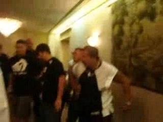 Don Frye se fait battre par un boxeur