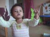 Les premiers pas de ma fille Dado : amputée des 2 pieds