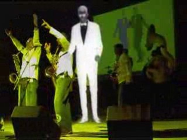 Funk Off + VJ Julie Meitz = Live Performance / Italy