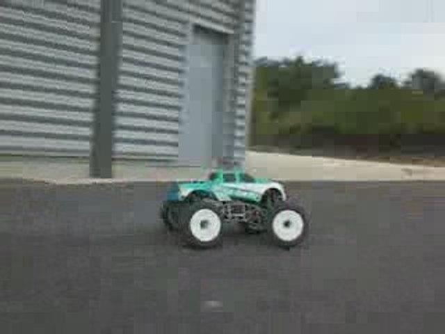 Nemesis cen 7.7cc Monster Truck 1/8ème