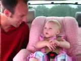 Bébé bavarde trop trop! MDR