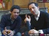 Trop marant Gad Elmaleh et Manu Payet qui reponde a peine aux questions que la journaliste leur pose