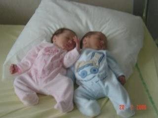 photos Les jumeaux et le grand frère
