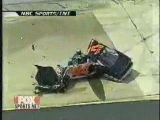 Miraculé crash nascar