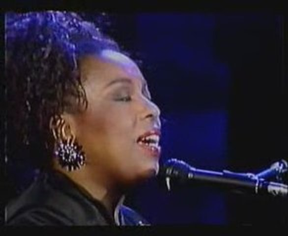 Roberta Flack - Killing Me Softly With His Song (live)