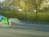voila une tite video de moi o skate park de st apollinaire en roller