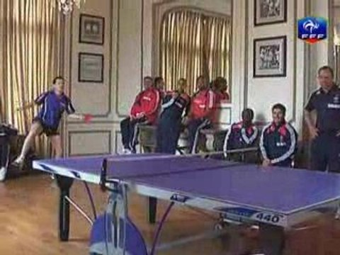 Yoann Gourcuff  et Thierry Henry jouent au Ping pong