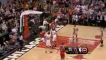 NBA Derrick Rose throws a brilliant alley-oop pass. Tyrus Th
