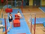 Eline, gym barres asymetriques 2009 [3]
