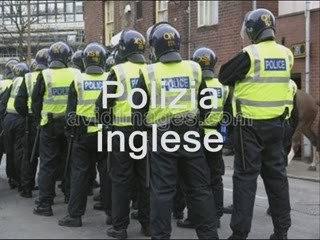 I caschi dei poliziotti italiani!!!