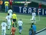 Thiago Neves, pallonata al raccattapalle