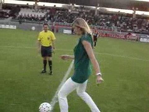 Victoria Ravva supportrice des... footballeurs cannois...