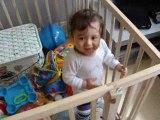 Waël chante et dans bébé lili