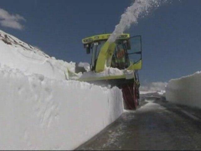 Le col du Mont-Cenis sort de la neige