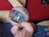 maelyne et le ballon de plage de carla
