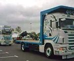 rassemblement camions decorés et peints a Dol de bretagne