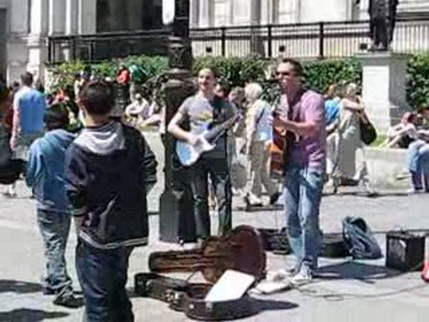 Two musicians at the Trafalgar Square