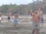 7 Cuba Baracoa joueurs de base ball plage