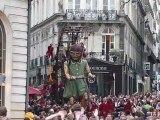 Royal de Luxe - La petite géante arrive !