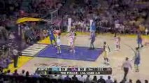 Hedo Turkoglu throws a nice alley-oop pass to Dwight Howard