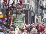 Royal de Luxe - La petite géante s'asseoit