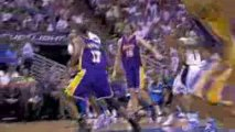 Dwight Howard scores 21 points and grabs 14 rebounds as the